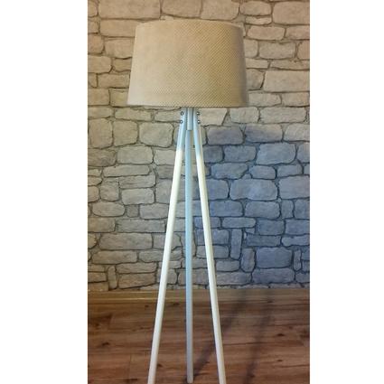 Ağaç Ustası Masif Oval 3 Ayak Lambader Beyaz Renk Dokulu Açık Kahve Şapka